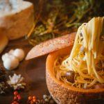 """チーズの器に閉じ込めた""""きのこの濃厚カルボナーラ""""秋の味覚をチーズと味わう3種類の新メニュー『CCC Cheese Cheers Cafe チーズチーズカフェ』"""