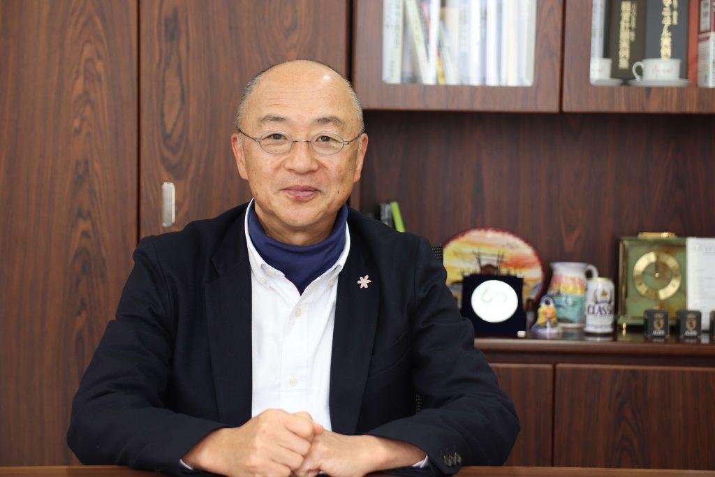 ジローレストランシステム株式会社 代表取締役社長 佐藤 治彦3